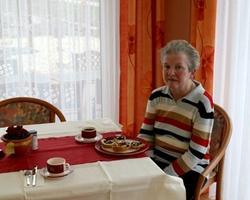 Frühstücksbüffet, Mittagessen, Nachmittagskaffee und Abendessen in Büffetform